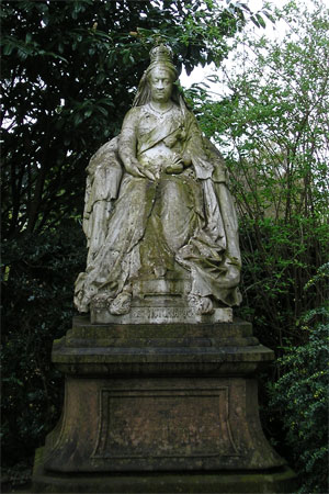 Queen Victoria in West Bank Park, York