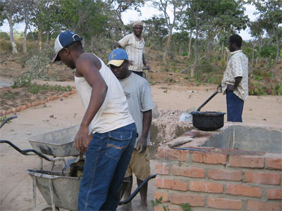 Building the Mwabi Institute in Malawi - www.mwabi-institute.org.uk/